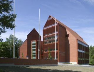 Tuomiokapitulin tiilenpunainen virastotalo